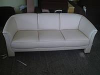 Перетяжка дивана в натуральную кожу