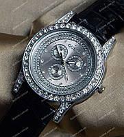 Часы Guess женские с камнями 158