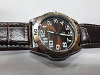 """Кварцевые часы """"Спутник"""" на ремешках 212"""