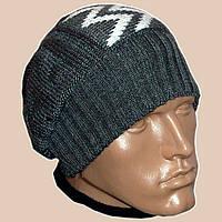 Мужская вязаная зимняя шапка-носок цвета маренго с аппликацией