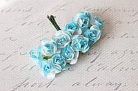 Декоративные бумажные цветочки, розы для скрапбукинга 2,5 см 12 шт/уп. на ножке бело-голубого цвета Польша