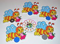 Магнитный стенд для крепления рисунка Пчелка