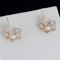 Серьги белые розы, покрытые золотом 0783