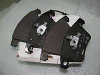 Колодки тормозные передние оригинальные VW Transporter T5 VW 7H0698151