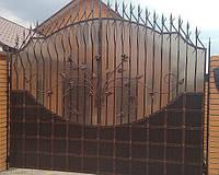 Брама кована, закрыта полікарбонатом, 2430