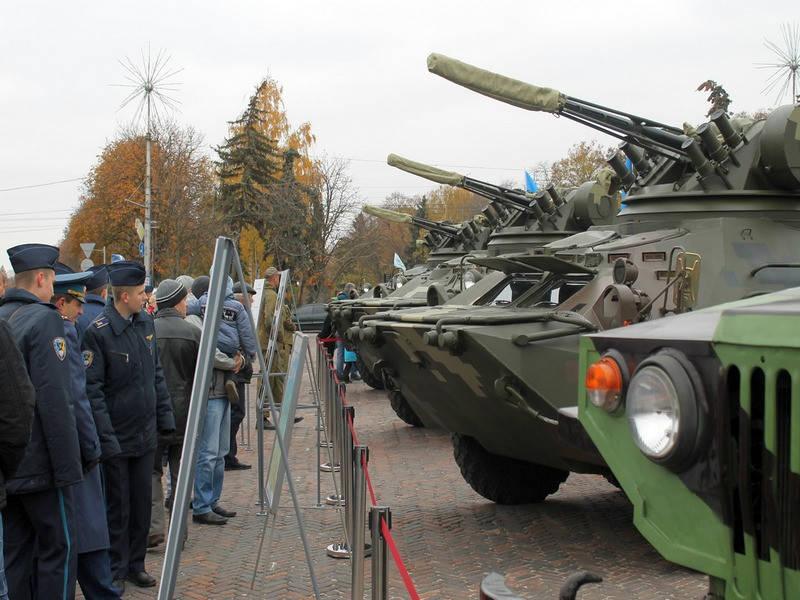 У Чернігові показали сучасну броньовану техніку вітчизняного виробництва.