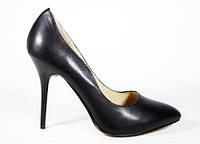 Кожаные классические женские туфли Magnori
