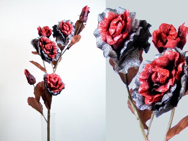 Декоративный цветок роза