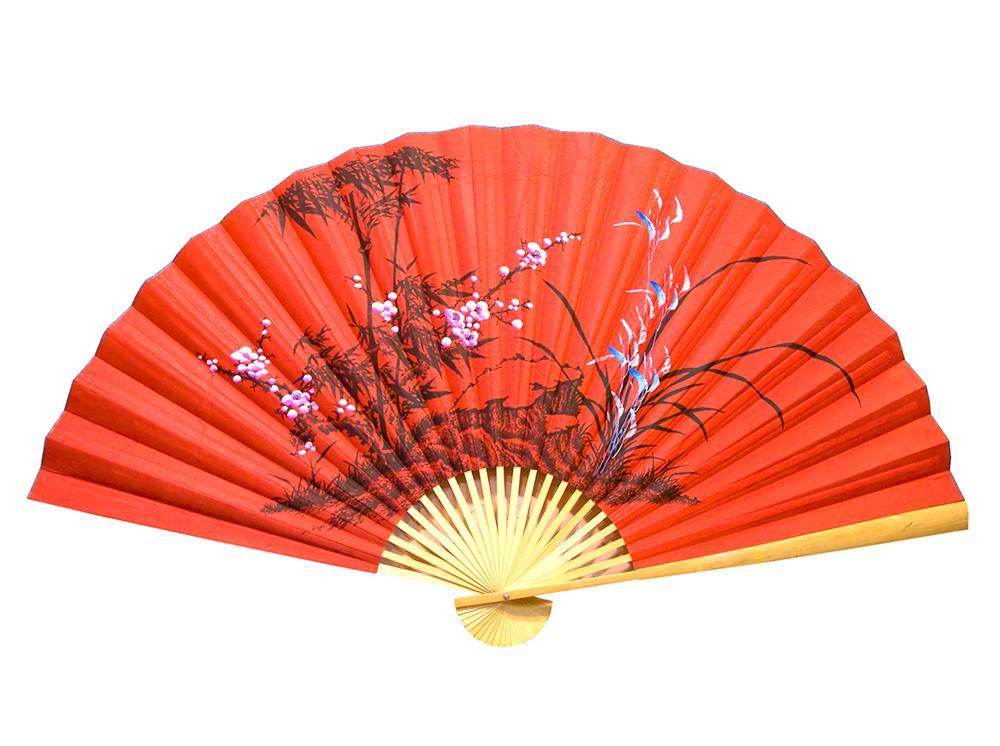 Веер настенный Бамбук с сакурой на красном фоне шелк