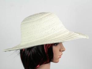 Шляпа бежевая с полями Тисаж