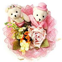 Букет из мягких игрушек Мишки 2 свадьба с цветами