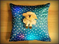 Подушка Новогодняя с овечкой светящаяся