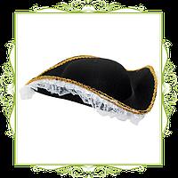 Шляпа треуголка с белым кружевом