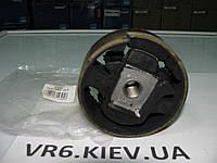 Подушка балки двигателя VW Caddy, Touran, Golf 1K0199868A Maxgear