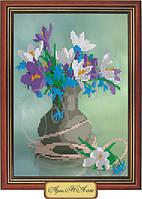 Схема для вышивки бисером  «Нарциссы и фиалки в вазе»