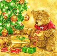 Декупажная салфетка Мишка с подарками под ёлкой 3869