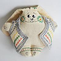 Ванильный зайчик в кожушке сидячий. Украинский сувенир.
