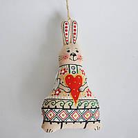 Ванильный зайка с сердечком. Украинский сувенир. Пасхальное украшение