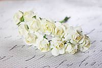 Бумажные цветочки для скрапбукинга 12 шт. 2 см на ножке шампань кремовые
