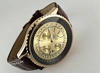 Мужские часы BREITLING кварцевые, золотистый циферблат, корпус в желтом цвете