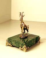 Бронзовая фигурка Козы на подставке с бронзовыми ножками