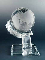 Сувенир Глобус в руке