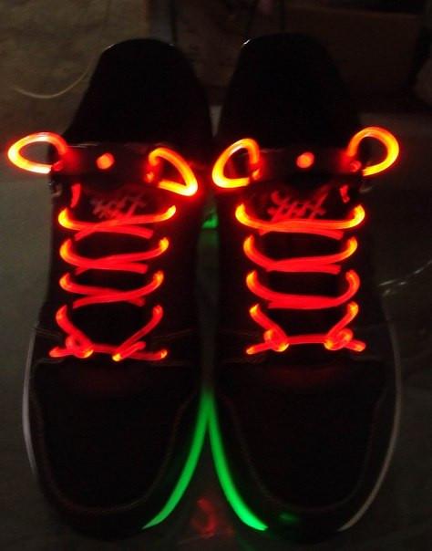 Светящиеся шнурки , светодиодные мигающие подарочые шнурки