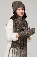 Шерстяной женский набор шапка, шарф, варежки