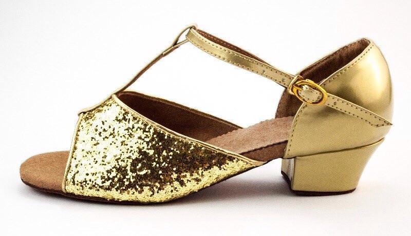 Туфли для девочек для танцев