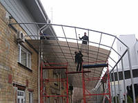 Монтаж сотового поликарбоната на готовую конструкцию