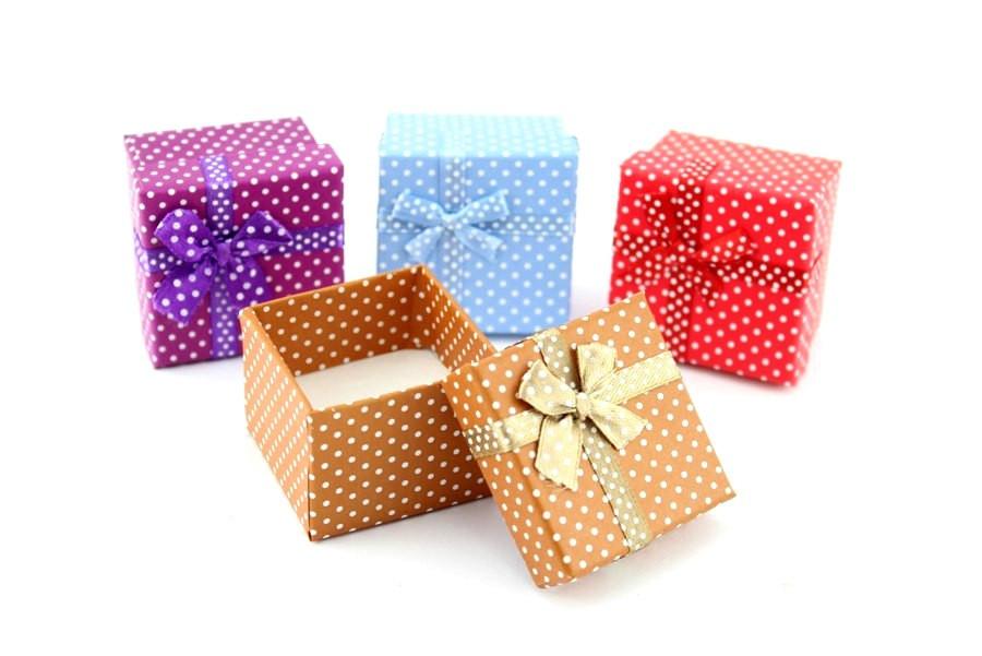 коробки картонные подарочные оптом на