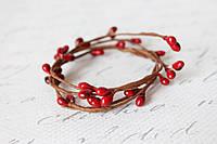 Декоративная веточка с тычинками темно-красног, бордового цвета