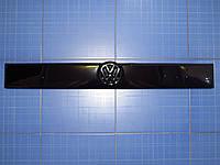 Заглушка решётки радиатора Фольксваген Т4 верх 1990-1999 глянец Fly. Утеплитель решётки Volkswagen T4