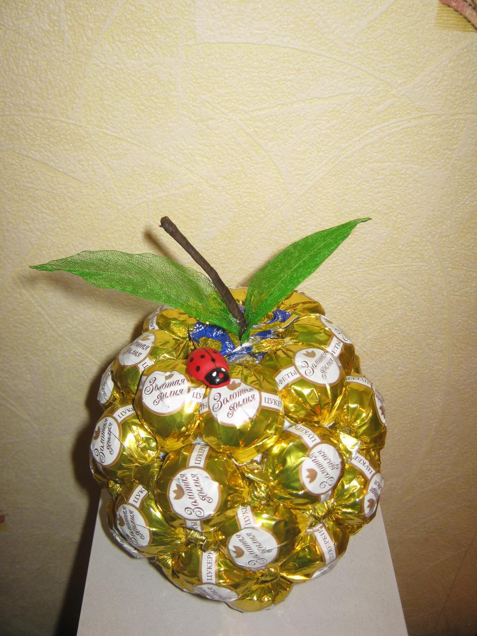 Как сделать яблоко из конфет пошаговое фото поделки из 87