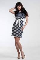 Черно-белое платье в горизонтальную полоску