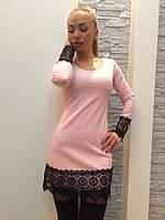 Платье мини с кружевом розовое  522 р