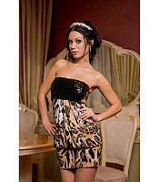 Платье с блестящими паетками на груди