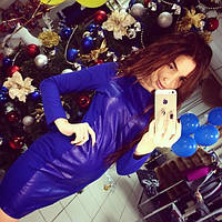 Женское очень красивое платье с украшение на плечах (синее и черное)