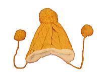 Детская вязаная желтая шапка с помпоном