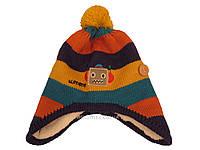 Детская вязаная шапка с желтым помпоном