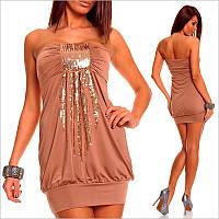 Бежевое платье-бандо