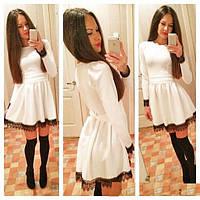 Женственное платье с кружевом