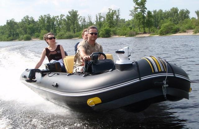 как выбрать надувную лодку с мотором видео