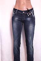 Женские  зауженные джинсы  подтяжками