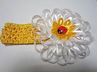 """Повязка для волос """"Ромашка"""" (можно крепить цветок на обруч, заколку, брошь; основы в наборе). Цвет любой"""