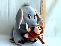 Мягкий  слоник с обезьянкой