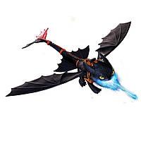 Большой дракон Беззубик, дышащий огнем DreamWorks Dragons