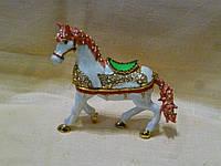 Декоративная металлическая ювелирная шкатулка - статуэтка конь 10 см. высота