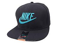 Черная кепка Nike с синей надписью