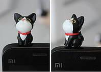 """Заглушка для аудио порта 3,5 мм (ПВХ) """"Котёнок НЯ в ошейнике"""". Цвет: чёрный."""